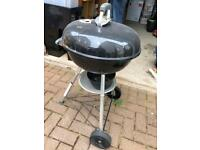 Free to collect large standing kettle bbq with accessoeies