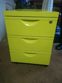 Green drawer unit