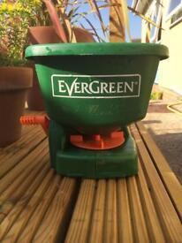 Evergreen handy spreader , handheld lawn seed fertiliser