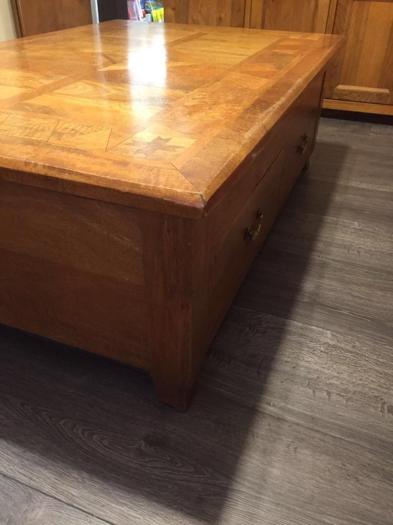 Large coffee table with 2 large drawers