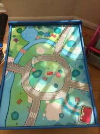 Train / car play table
