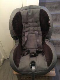 Maxi-cosi car seat with free child cushion