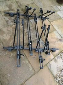 Halfords car roof bars for car with rails plus 4 cycle carriers £35