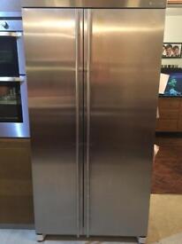 Maytag non plumbed in American fridge feezer