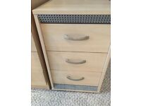 Chest of draws / bedside table