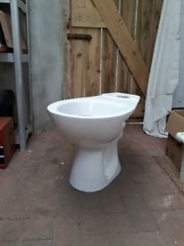 Toilet basin and seat, brand new, in box, Screwfix item ref 78711 (SXPTP0056)