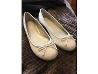 Wedding shoes size 6 (wide fit) so will fit 7 brand new