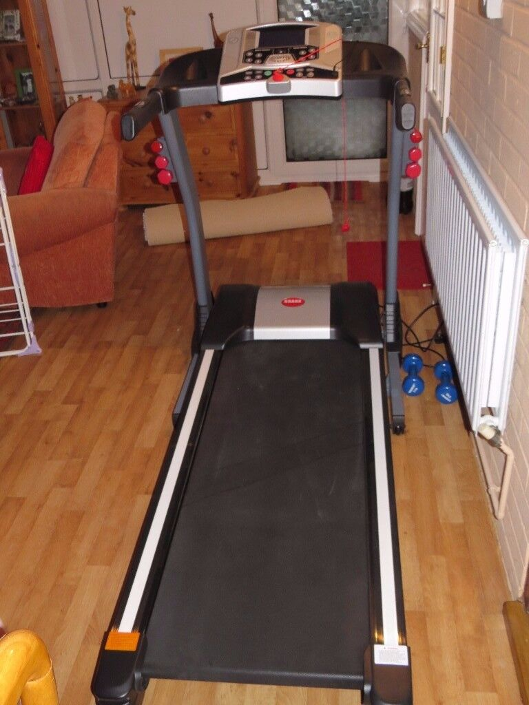 Branx Elite Runner Pro Treadmill 23km/h with 22% incline.