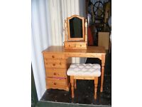 CAN DELIVER - PINE DRESSING TABLE WITH MIRROR AND STOOL IN VERY GOOD CONDITION