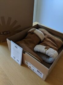 UGG Boots (Size 4)