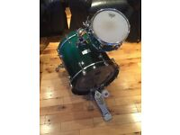 Drum kit - Mapex bass and tom