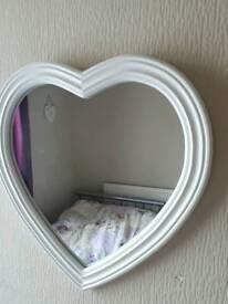 LARGE CREAM HEART MIRROR LIKE NEW