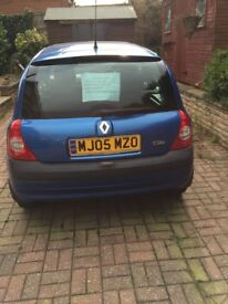 2005 Renault Clio Dynamique- Parts/ Project- not running
