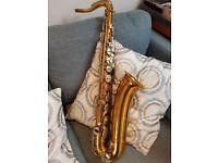 "Martin Handcraft Committee ""Skyline"" tenor saxophone - soft case included."