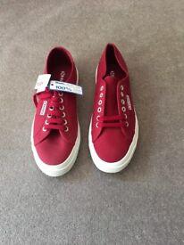 Superga 2750 Cotu Classics in Scarlet - UK Size 8 - Eur 42