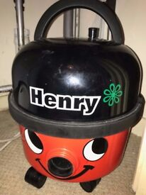 Henry vacuum cleaner with 4 additional vacuum storage bag