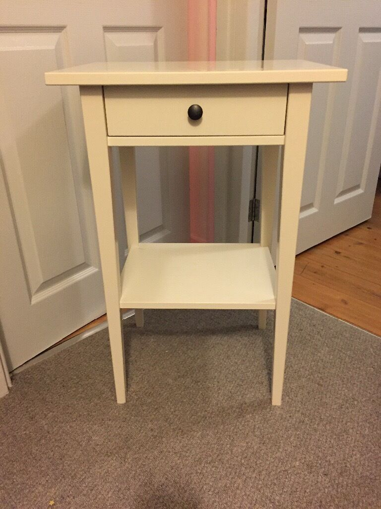 Simple and stylish bedside tables in aberystwyth ceredigion gumtree simple and stylish bedside tables watchthetrailerfo