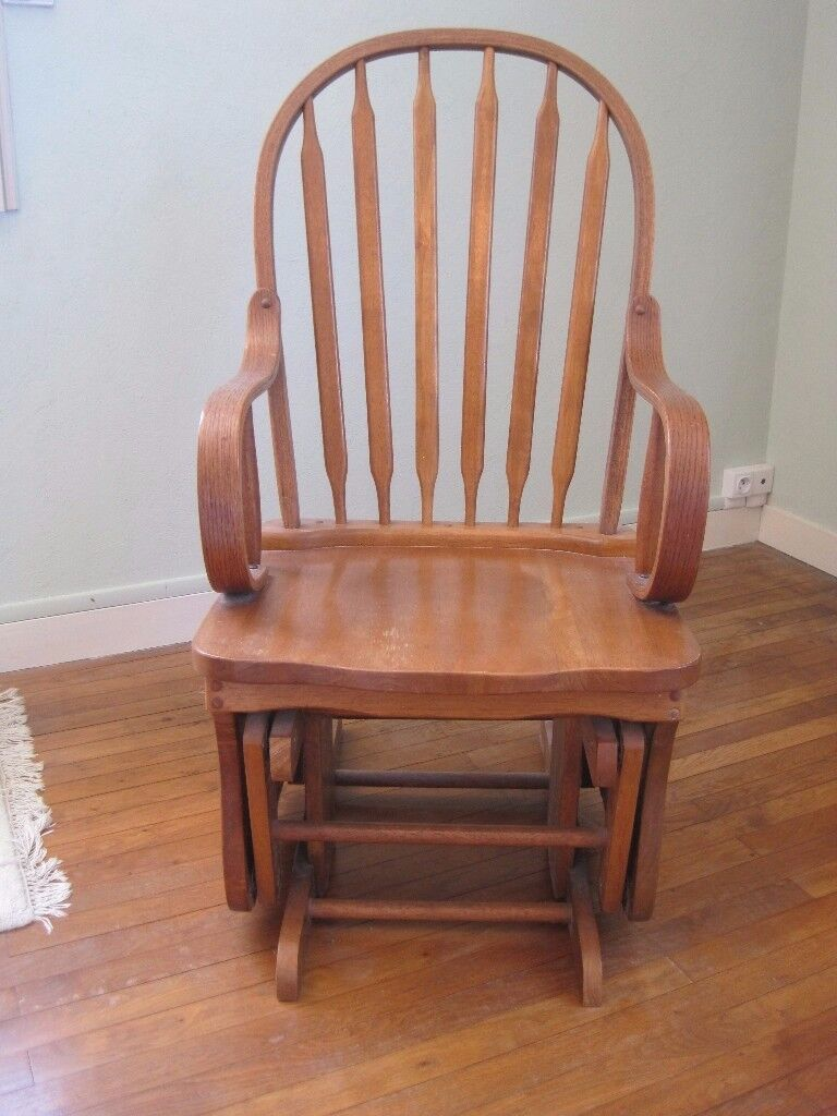 Wooden Gliding Chair. Very good condition.