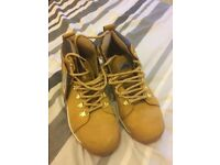 mens safety boots size 7