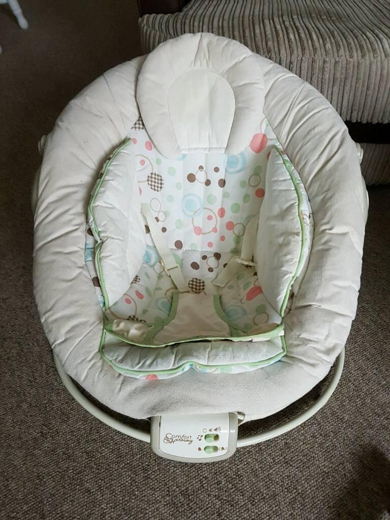 Baby bouncer/feeding chair