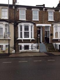 2 Bedroom Garden Flat close to Lewisham station
