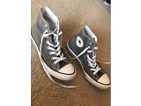 Converse boots size 7 1/2 Grey unisex