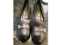 LADIES NEW BLACK LOAFERS SIZE 5
