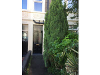 Good Sized Room in friendly shared house suitable for non-smoker.