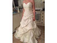 Miri Lee removable strap size 14 wedding dress