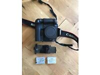 Canon 550d body only with battery grip