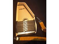 Beautiful 21-chord spruce/maple autoharp + case/tuners, excellent condition, RRP ~£400
