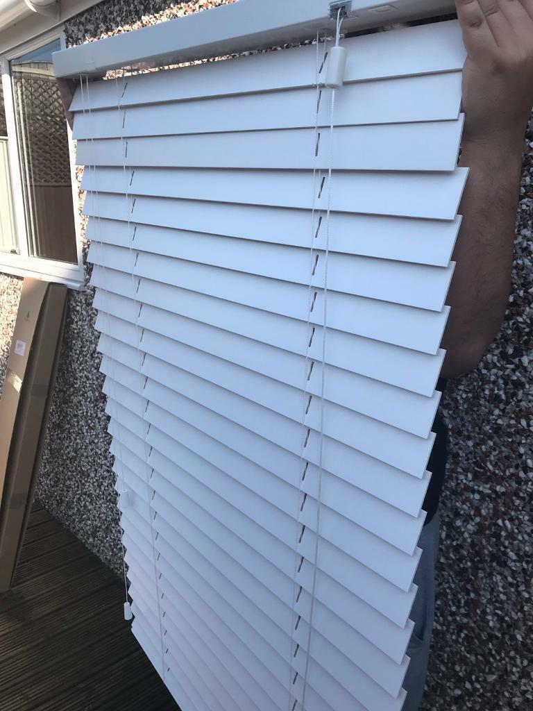 Sherwood Solid Wood Venetian Blinds White X4 In Selston