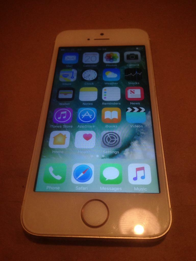 Iphone 5s Gold Perfect Conditionin BridgendGumtree - Iphone 5s Gold 16gb, the phone is just like out of the box with no aging marks scratches or damages anywhere at all! It basically looks like brand new and works perfect with no issue, it is currently on EE network but can get unlocked very easy, £90...