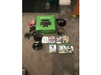 Xbox one 500gb with Kinect , elite controller and 8 games