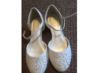Monsoon shoes size 1