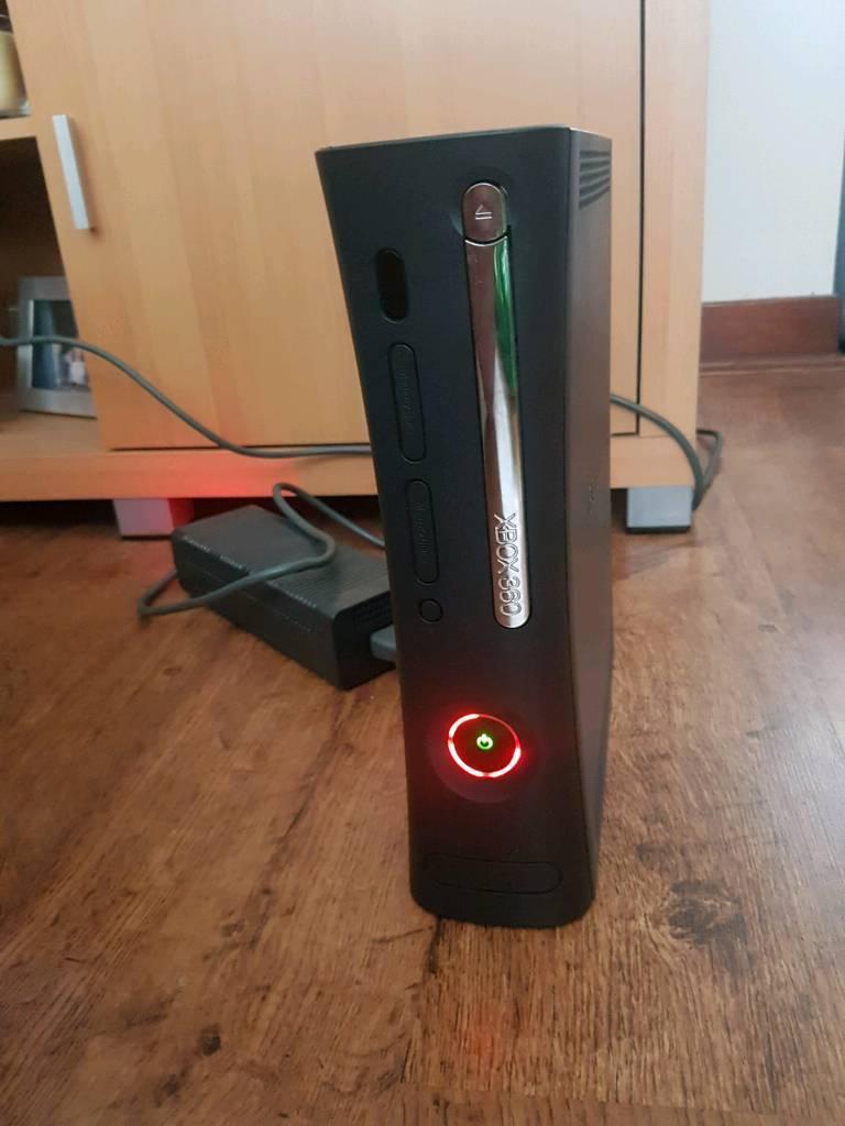 Broken Xbox 360 Elite console