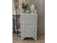 Shabby chic oak tallboy/chest of 5 drawers