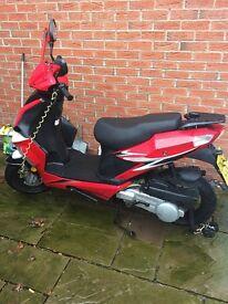 Yiying 125cc scooter