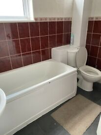 4 Bedrooms Flat to let in Leyton
