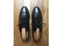 Loake Semi-Brogue Oxford Shoe, Model 745B – Size UK 8 - £70