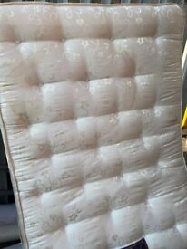 POCKET MASTER DOUBLE BED MATTRESS IN EXCELLENT CONDITION VERY GOOD QUALITY DELIVER