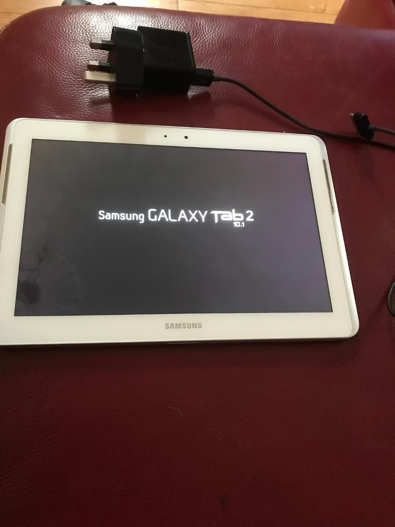 Galaxy Tab 2 10 inch tablet, 16GB memory, white, superb condition, expandable with SD Slot