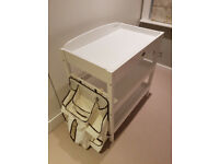 Baby Weavers changing table with detachable nappy storage - excellent condition