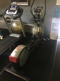 Pro-Form 900 ZLE Elliptical Cross Trainer