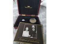 queen elizabeth II collectable