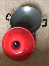 Red wok with lid