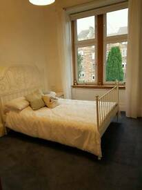 Double Room in Broomhill West End Flat (5 Day Let)