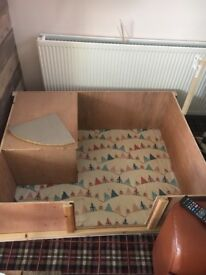 Whelping box, with wipe clean floor