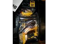 BRAND NEW DeWalt DCH273P2 18v 2x5.0ah XR Brushless SDS Hammer Drill with 2x 5.0AH batteries