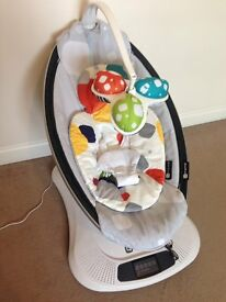 4moms Mamaroo - Very good clean condition with newborn insert BOXED